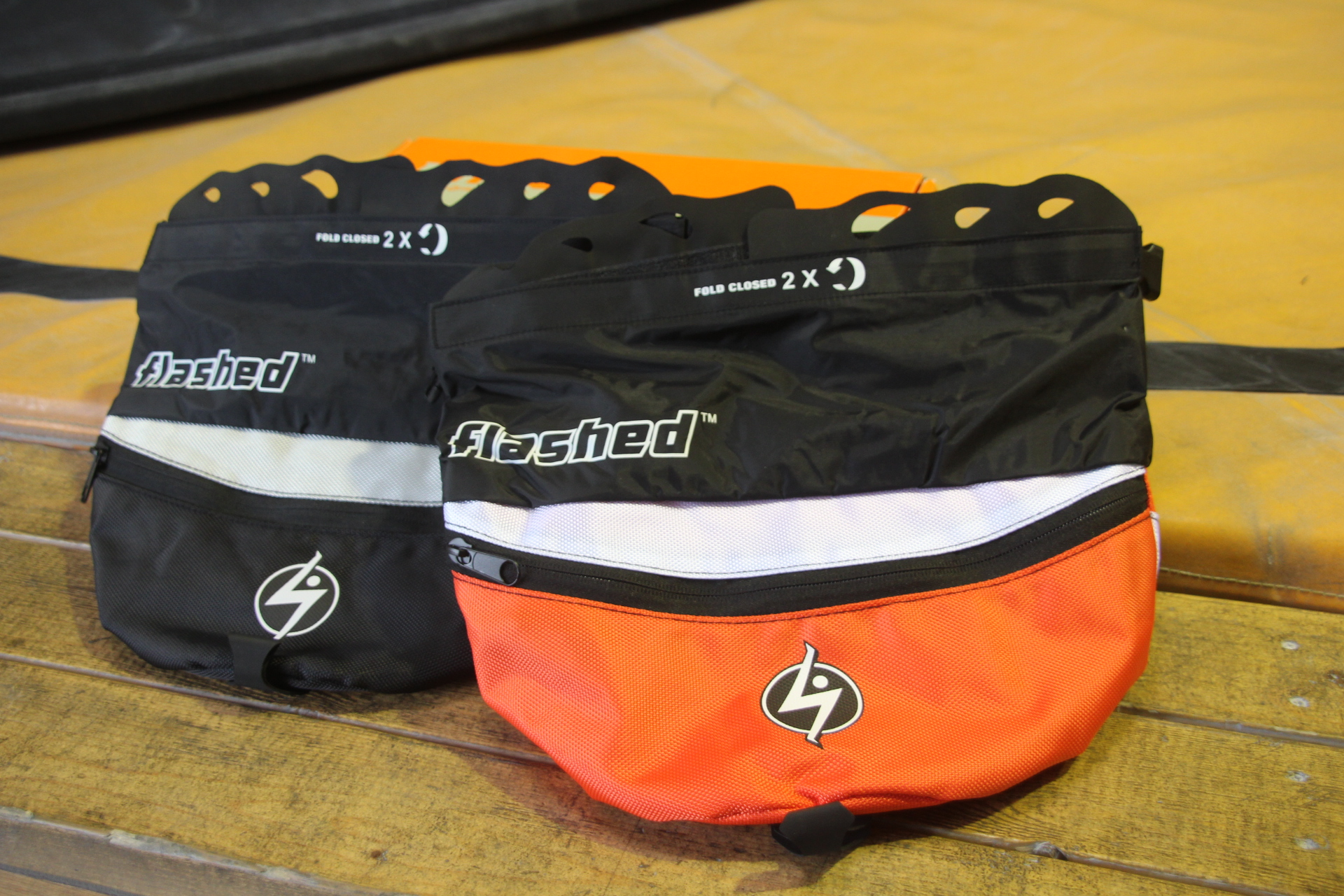 フラッシュド・tool bag