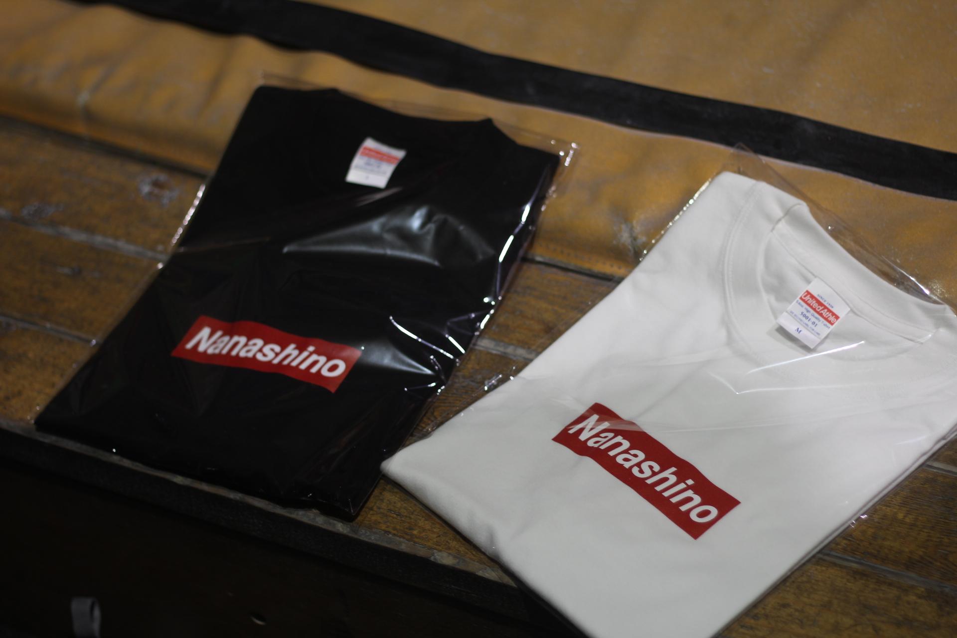 NANASHINO BOX Tシャツ